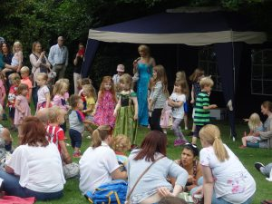 Elsa draws in the crowds